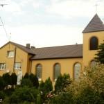 Kościół od strony drogi